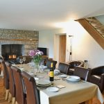 dolgoed-house-dining-table-1244786